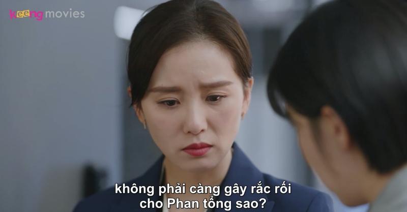 Chi Chi khuyên Tư Vũ không nên làm thế, vì Phan tổng vốn muốn đuổi Viên Tuệ Trung, còn đang cãi nhau với ban giám đốc