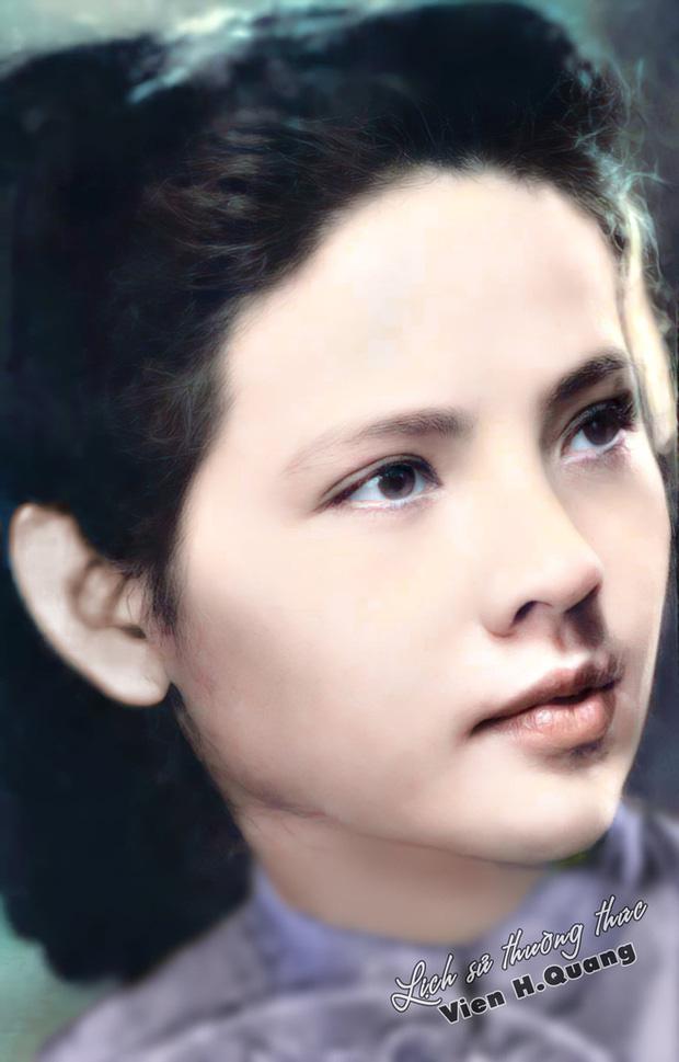 Bà Bạch Thược mang vẻ đẹp dịu dàng cùng với phong thái tự tin, đậm chất nữ sinh Hà thành