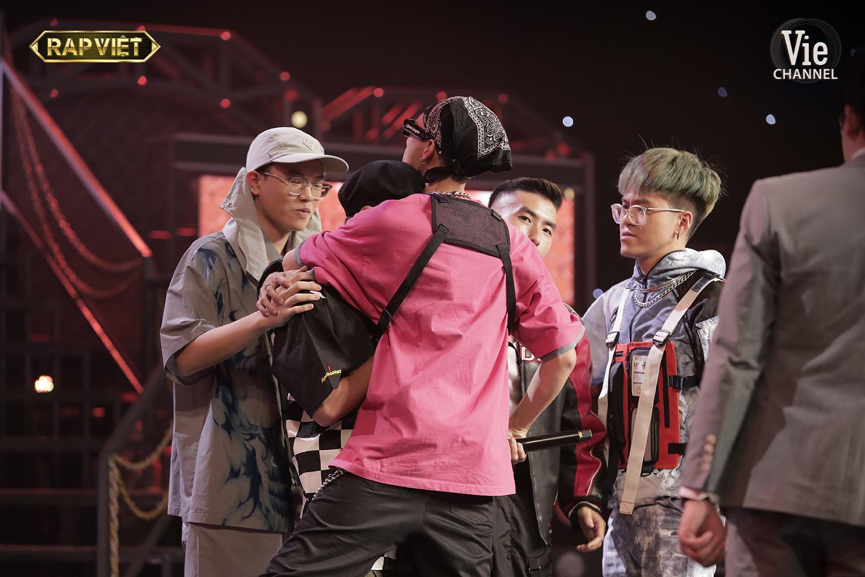 Loạt khoảnh khắc xúc động team Suboi trong 'Rap Việt' tập 9: Đối đầu nhưng vẫn tình cảm lắm lắm! 3