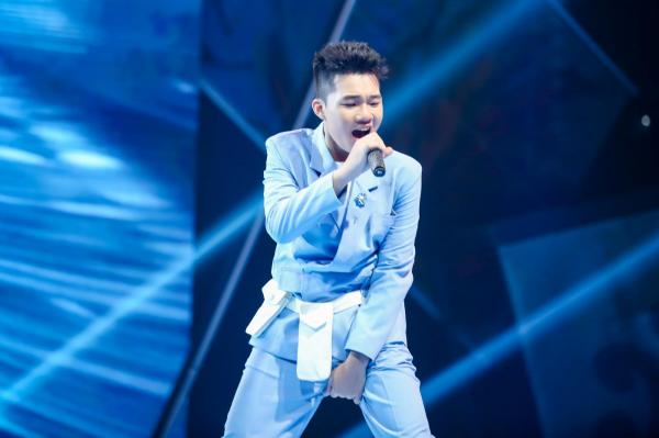 Lần đầu viết rap trên giai điệu rock, Kenji được nhạc sĩ Hồ Hoài Anh và LK cổ vũ nhiệt tình 0