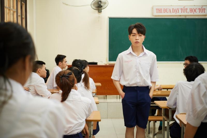 Đức Phúc và Suboi hợp tác tạo nên 'siêu phẩm học đường', đếm không nổi có bao nhiêu cameo góp mặt trong MV mới 1
