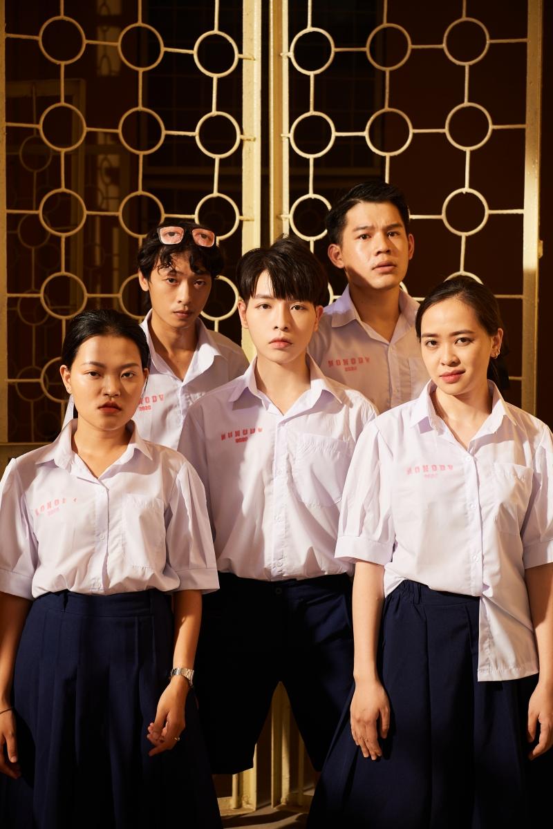 Đức Phúc và Suboi hợp tác tạo nên 'siêu phẩm học đường', đếm không nổi có bao nhiêu cameo góp mặt trong MV mới 4