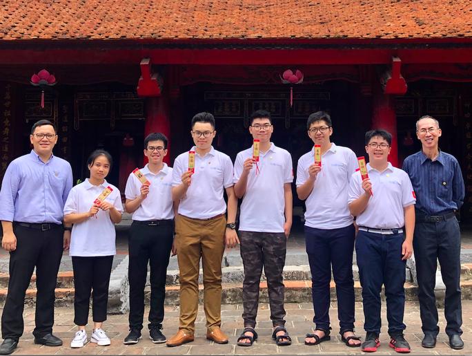 Đội tuyển Việt Nam dự IMO 2020 - Ảnh: Bộ GD-ĐT.