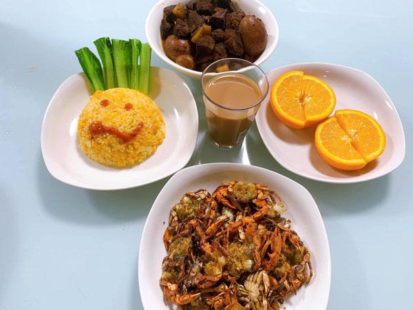 Nhừng mâm cơm đơn giản nhưng đầy đủ dinh dưỡng.