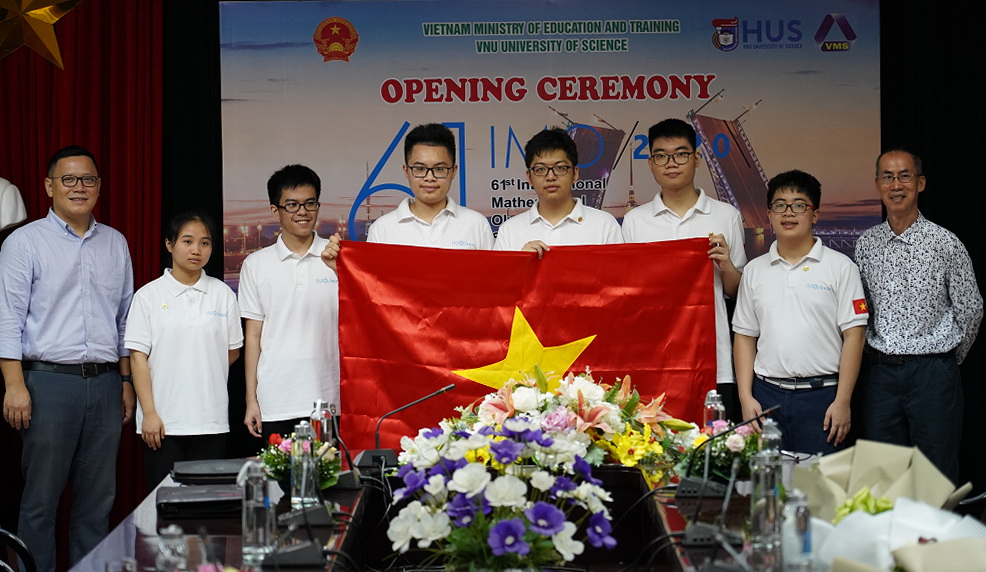 Đội tuyển Olympic Toán quốc tế Việt Nam. Ảnh: Bộ GD&ĐT