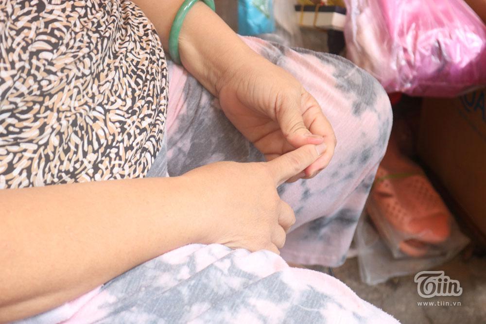 Giọt nước mắt của cụ bà bán nước bị trộm sạch tiền hàng: 'Chỉ thương đứa nhỏ theo người xấu hành nghề' 2