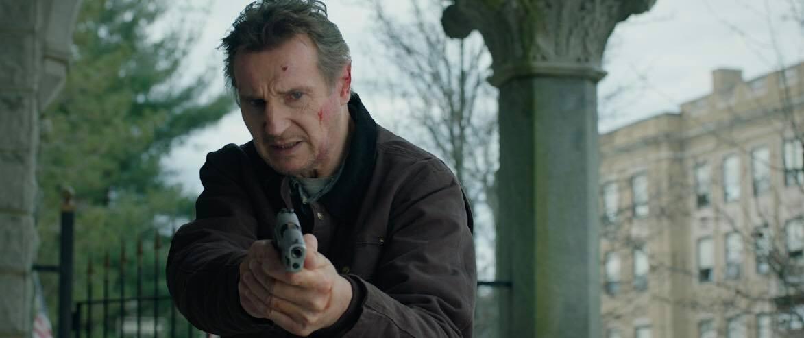 Tài tử Liam Neeson mãi chưa thoát được kiếp lận đận, cân não đối đầu FBI trong phim hành động mới 1