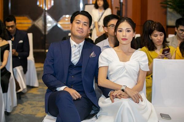 Phillip Nguyễn - Linh Rin cực tình tứ, Quỳnh Anh Shyn 'nổi bần bật' tại sự kiện 2