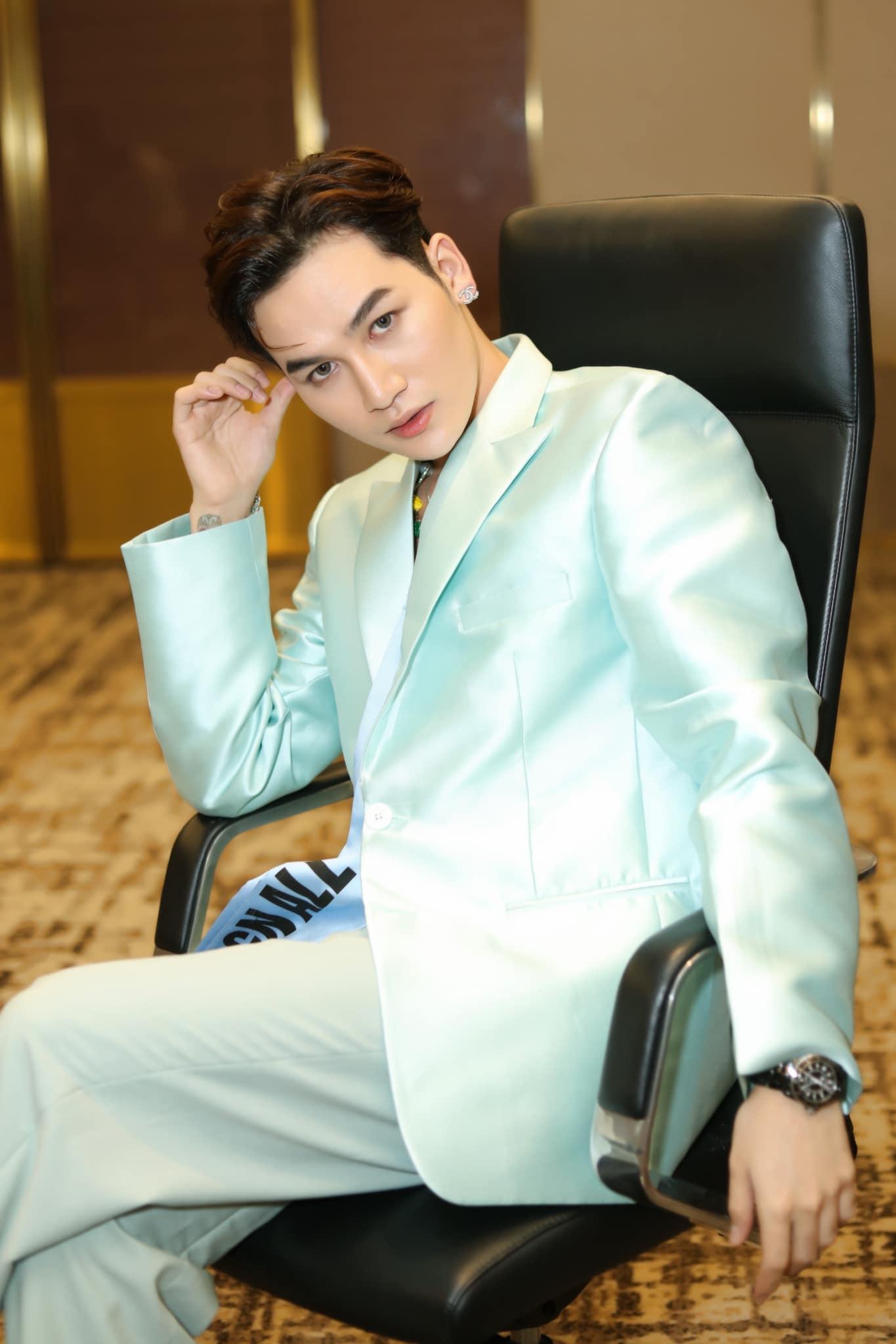 Ali Hoàng Dương đáp trả nhận định: 'Khán giả cho rằng Trấn Thành đang dùng quyền lực của mình trong showbiz để nâng đỡ nhóm bạn thân phủ sóng trong các gameshow'.