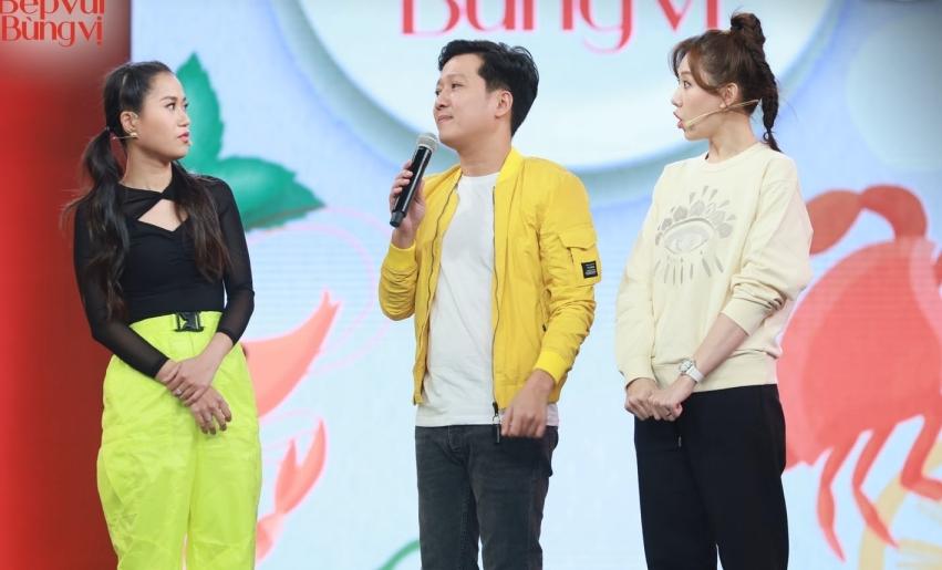 Hari Won bị Trường Giang 'lật tẩy' trong hậu trường show mới, khổ chủ chỉ biết cười trừ! 4