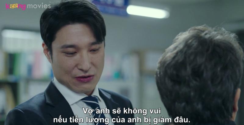 Thấy thái độ cứng rắn của cảnh sát Cho, công tố viên Baek đã hăm dọa ông