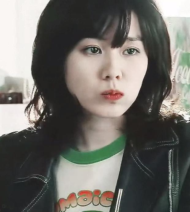 Một mỹ nhân gây xôn xao khi có vẻ đẹp giống cả 3 mỹ nhân Kbiz đình đám, 'tra' danh tính mới biết là 'người yêu' Hyun Bin 4