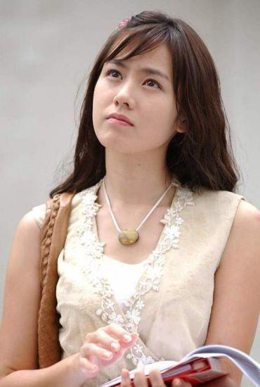 Một mỹ nhân gây xôn xao khi có vẻ đẹp giống cả 3 mỹ nhân Kbiz đình đám, 'tra' danh tính mới biết là 'người yêu' Hyun Bin 6