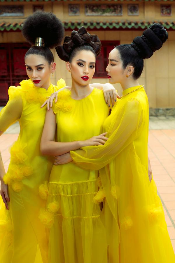 Giáng My, Hoàng Yến, Tiểu Vy rực rỡ tiến cung trong show diễn Vàng Son 4