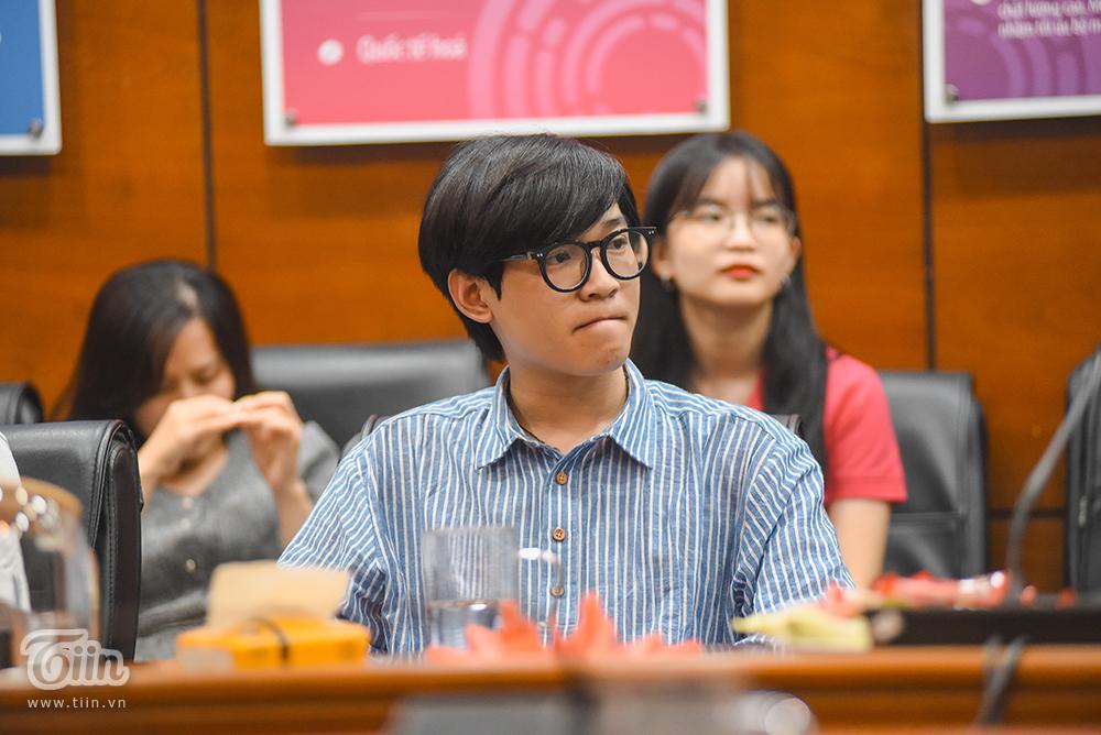 Cuộc điện thoại bất ngờ trong Lễ trao giải kết nối 2 điểm cầu cuộc thi 'Đà Nẵng - Bình yên sẽ về' 2