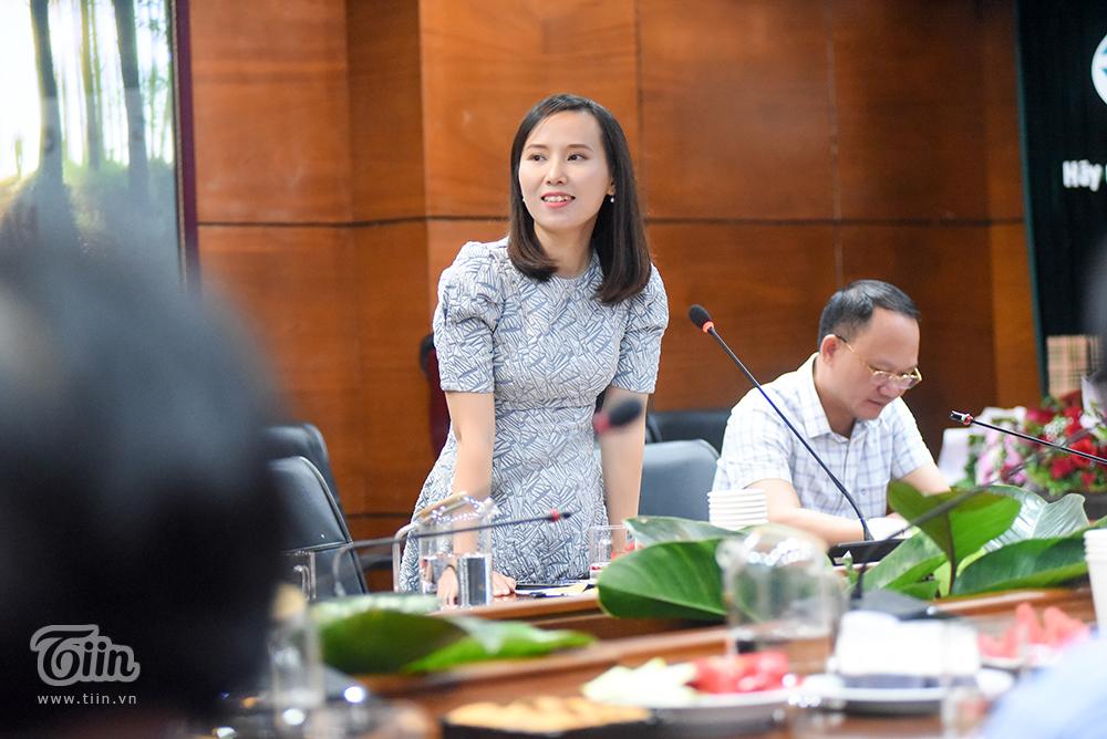 Chị Lê Hương - Trưởng BTC cuộc thi chia sẻ tại đầu cầu Hà Nội