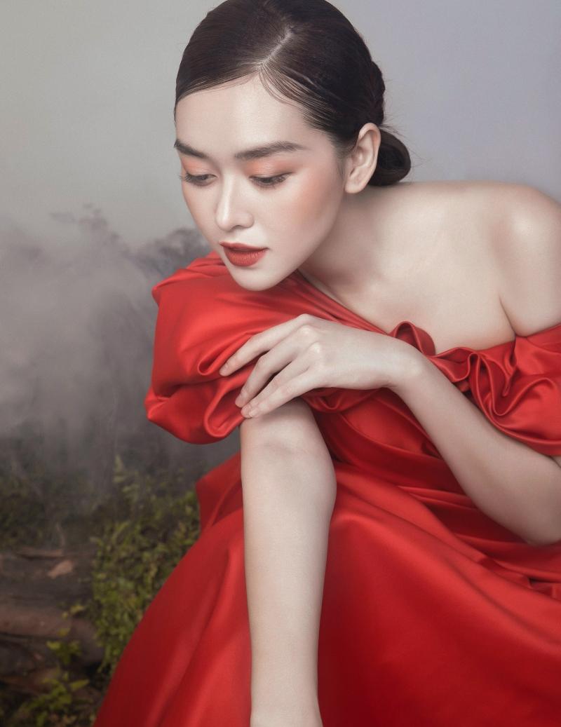Tưởng không hợp mà hợp không tưởng - Á hậu Tường San tung bộ ảnh hóa 'chị Nguyệt' đậm màu Trung thu 5