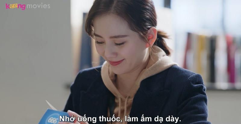 Dù không đồng ý với cách làm của Tư Vũ nhưng Nhất Minh vẫn nhắc nhở cô uống thuốc đầy đủ
