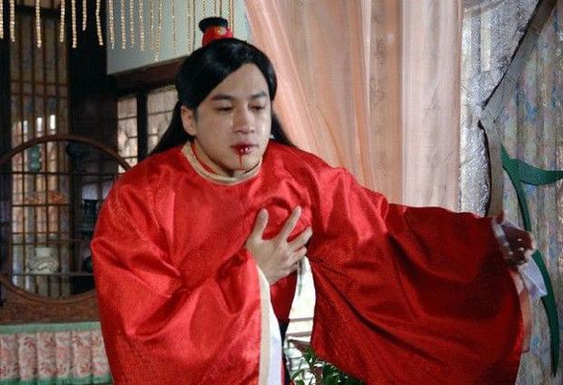 Vì quá thương nhớ Chúc Anh Đài (Đổng Khiết) mà Lương Sơn Bá (Hà Nhuận Đông) đã thổ huyết rồi qua đời dù tuổi còn rất trẻ.