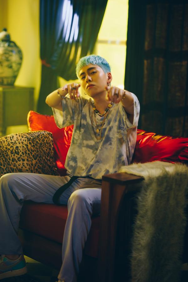 Osad phản ánh góc tối của mối quan hệ Sugar Daddy - Sugar Baby trong MV mới 3