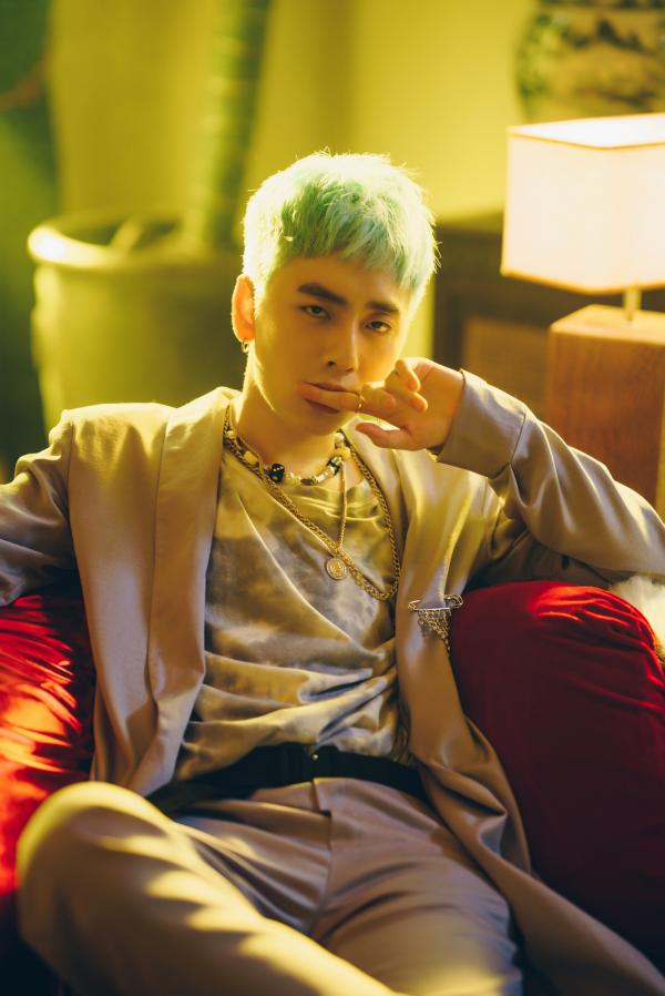 Osad phản ánh góc tối của mối quan hệ Sugar Daddy - Sugar Baby trong MV mới 4