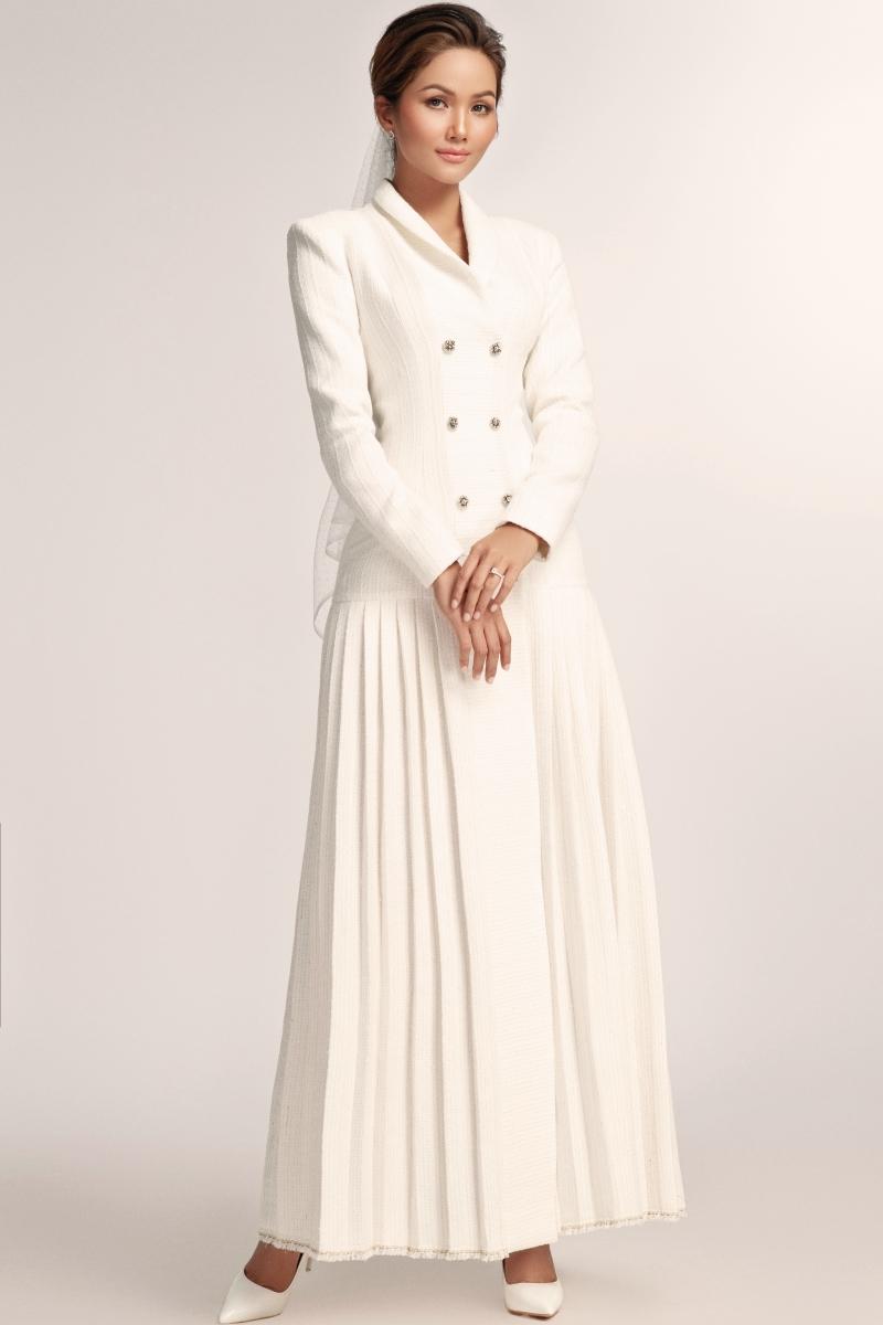 Hoa hậu H'Hen Niê hoá 'nàng thơ' trong bộ váy cưới ren xuyên thấu 4