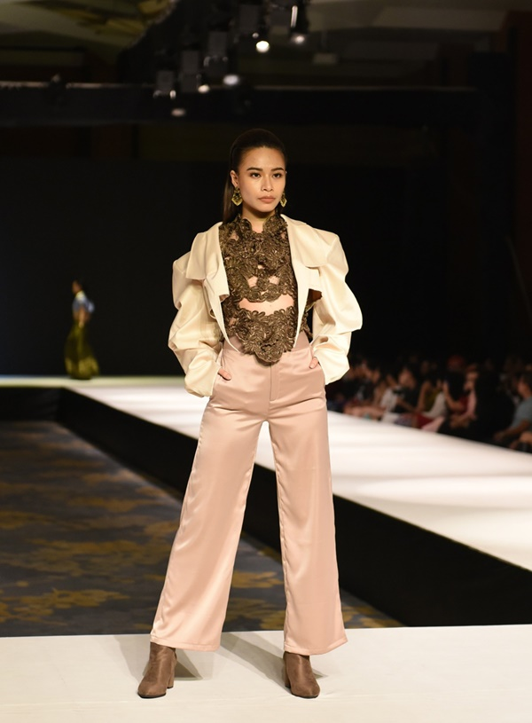 2 BST thời trang được lựa chọn 'chinh chiến' Quốc tế: Việt Nam không hề 'nhỏ bé'tí nào! 3