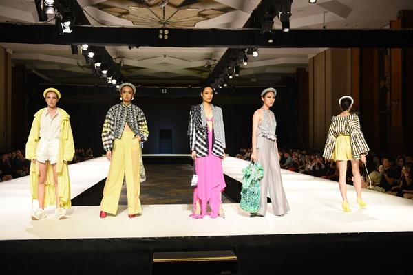 2 BST thời trang được lựa chọn 'chinh chiến' Quốc tế: Việt Nam không hề 'nhỏ bé'tí nào! 6