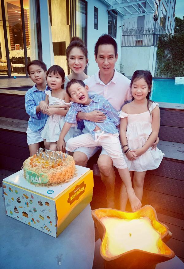 Minh Hà và các con quây quần mừng sinh nhật Lý Hải 3