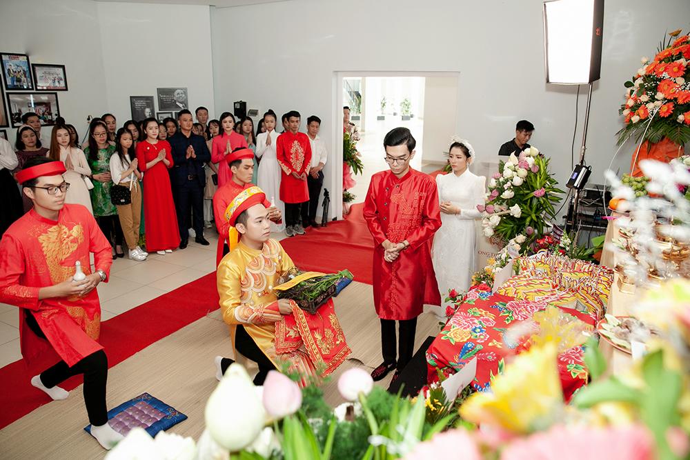Mặc dù không đông đảo và rầm rộ như hai miền Nam, Bắc song với cộng đồng MC, nghệ sĩ trẻ ở Đà Nẵng đây là một trong những sự kiện hiếm hoi quy tụ anh chị em hoạt động trong ngành gặp gỡ sau những ngày tháng hoạt động không mệt mỏi.