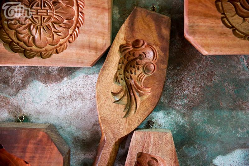 Nghệ nhân hơn 40 năm 'giữ lửa' nghề làm khuôn bánh trung thu bằng gỗ ở phố cổ Hà Nội 7