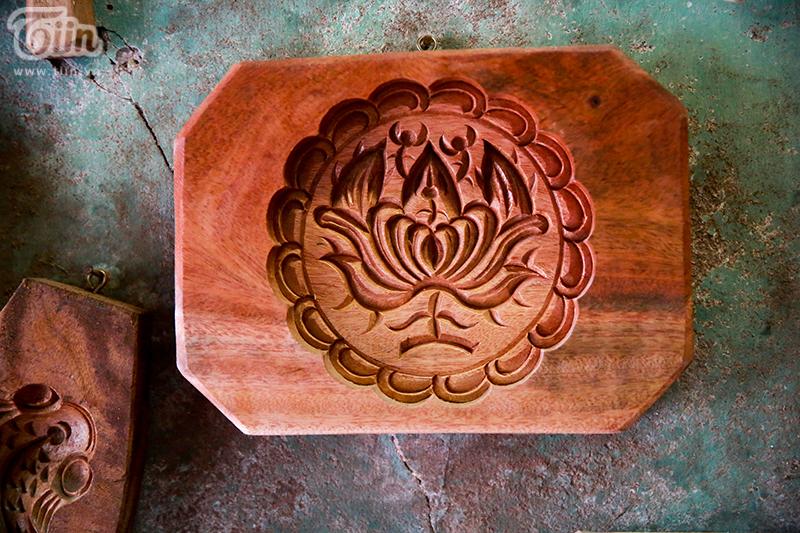 Nghệ nhân hơn 40 năm 'giữ lửa' nghề làm khuôn bánh trung thu bằng gỗ ở phố cổ Hà Nội 9