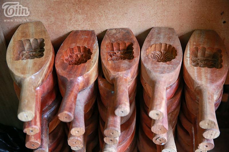 Những khuôn bánh trung thu độc đáo được sáng tạo nên bởi nghệ nhân phố cổ.