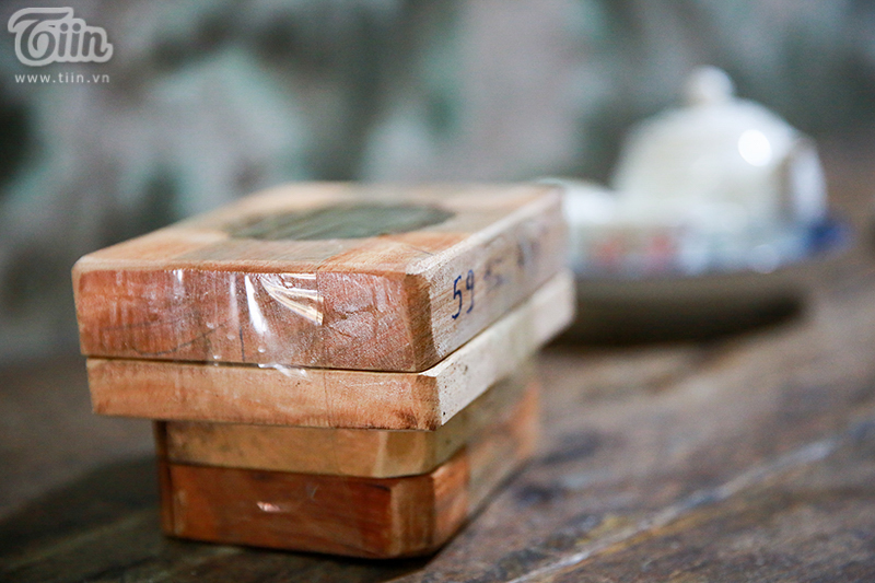 Nghệ nhân hơn 40 năm 'giữ lửa' nghề làm khuôn bánh trung thu bằng gỗ ở phố cổ Hà Nội 19