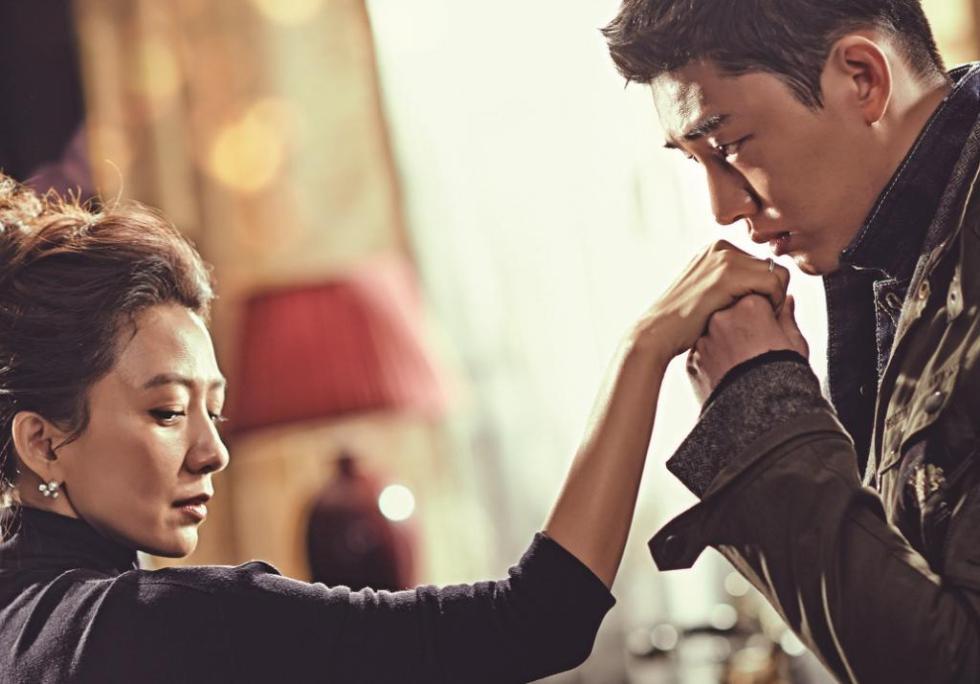 4 cặp đôi xứng tuổi 'cô - cháu' vẫn yêu đương nồng nhiệt trên màn ảnh châu Á 10