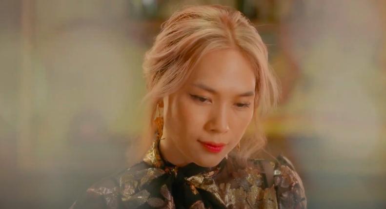 Mỹ Tâm tự đạo diễn MV 'Đúng cũng thành sai', diện 'sương sương' 15 bộ trang phục đủ phong cách 7