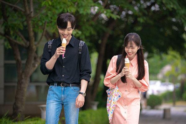 Cô cũng từ chối ý định buộc dây giày cho Joon Young trong một phân cảnh với lý do không muốn yêu như trong phim tình cảm.