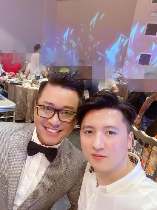 Ca sĩ Tuấn Hưng và diễn viên - đạo diễn Nguyễn Trọng Hưnghội ngộ trong một khung hình.