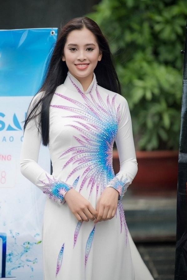 Tiểu Vy hồi mới đi thi Hoa hậu Việt Nam