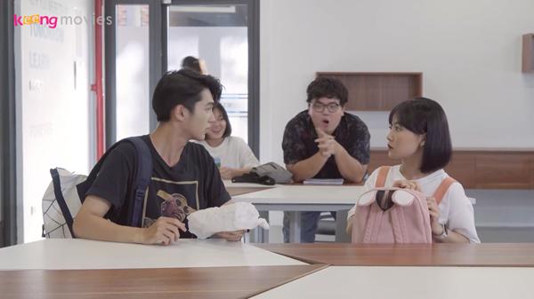 Rồi lại bị cả lớp hiểu lầm có tình ý với Tùng Sơn.