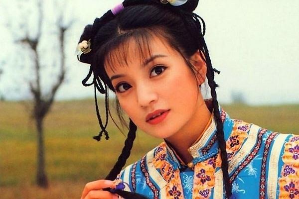 Có nhiều người từng diễn Tiểu Yến Tử nhưng chỉ có Triệu Vy được Sina nhận xét:'Không phải cô ấy thì không phải Tiểu Yến Tử'