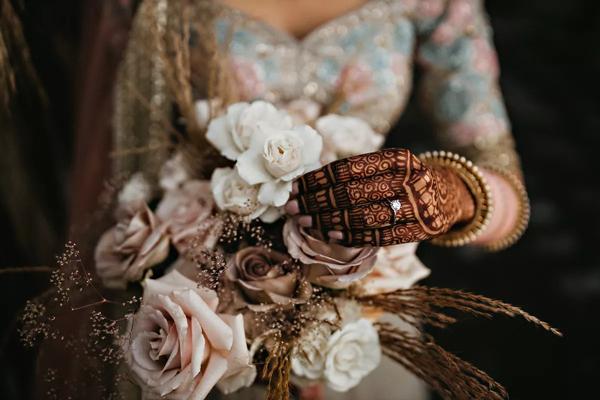 Sau 7 tháng hẹn hò, cặp đôi tổ chức hôn lễ tại sân vườn nhà bố mẹ, ghi lại những khoảnh khắc đẹp đến khó quên 3