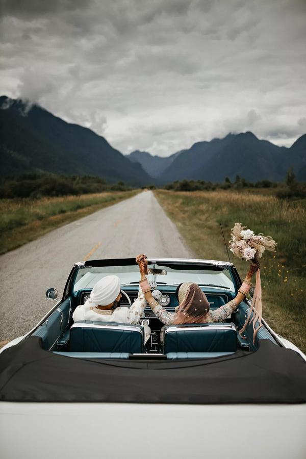 Cặp đôi đã lái xe đi khám phá đảo Vancouver trong tuần trăng mật.