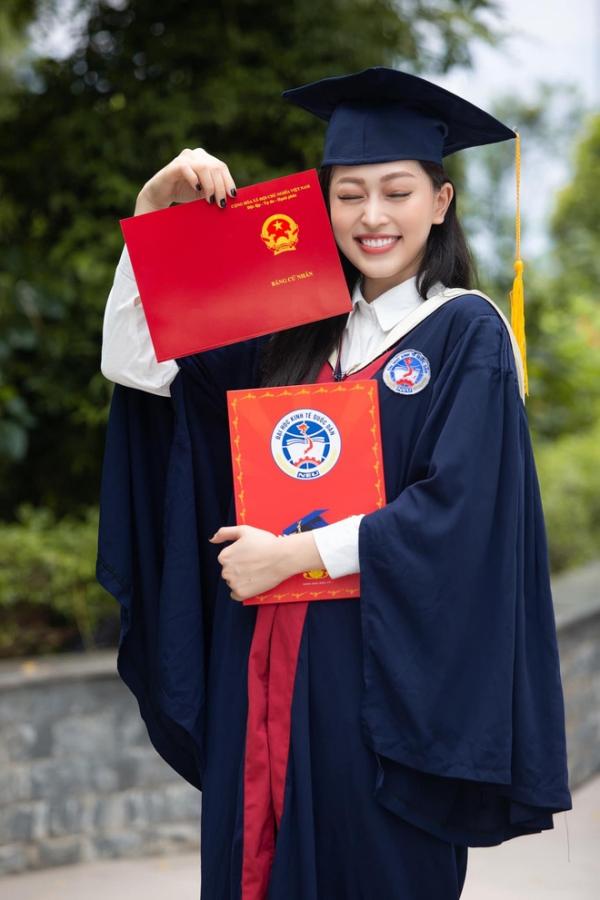 Á hậu 1 Bùi Phương Nga tốt nghiệp bằng giỏi, ĐH Kinh Tế Quốc Dân