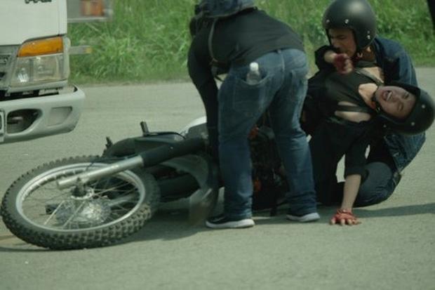 Sao Việt xả thân vì vai diễn: Lan Ngọc gãy xương, Ngô Thanh Vân đổ máu, Trúc Anh ngã từ xe đang chạy 1