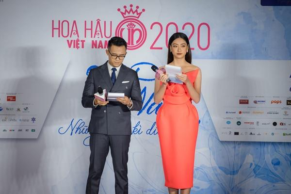 Đức Bảo và Hoa hậu Lương Thùy Linh đảm nhận vai trò MC cho buổi họp báo Bán kết.