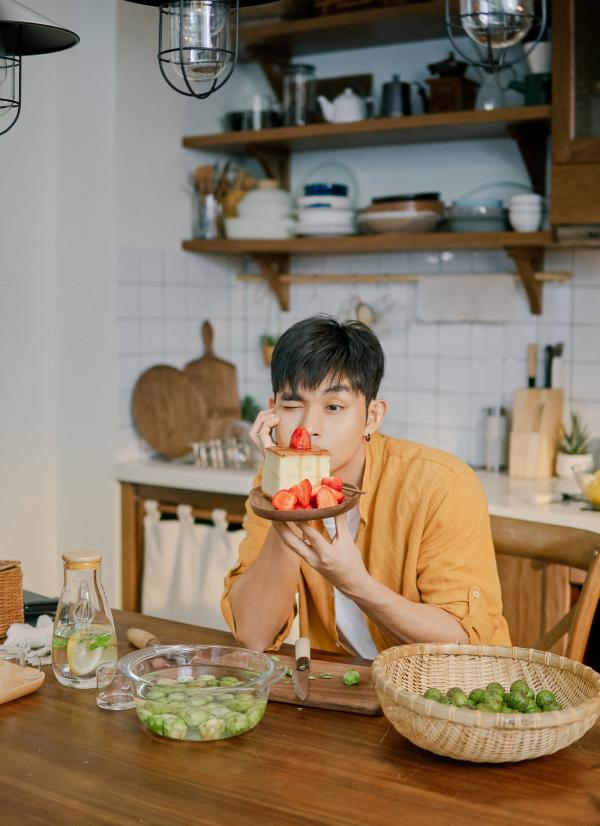 'Nhà có một người' chính thức tung MV cho ca khúc chủ đề, mô tả tâm trạng của hội 'cô đơn' 2