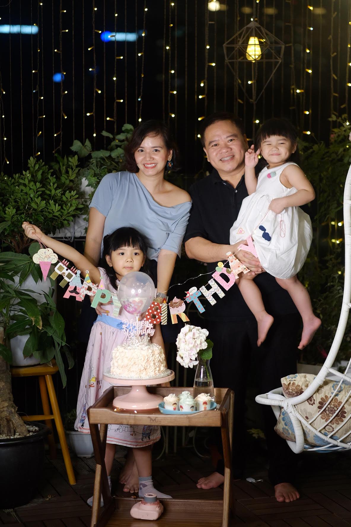 Cô Linh - chú Hải có 2 cô công chúa xinh xắn