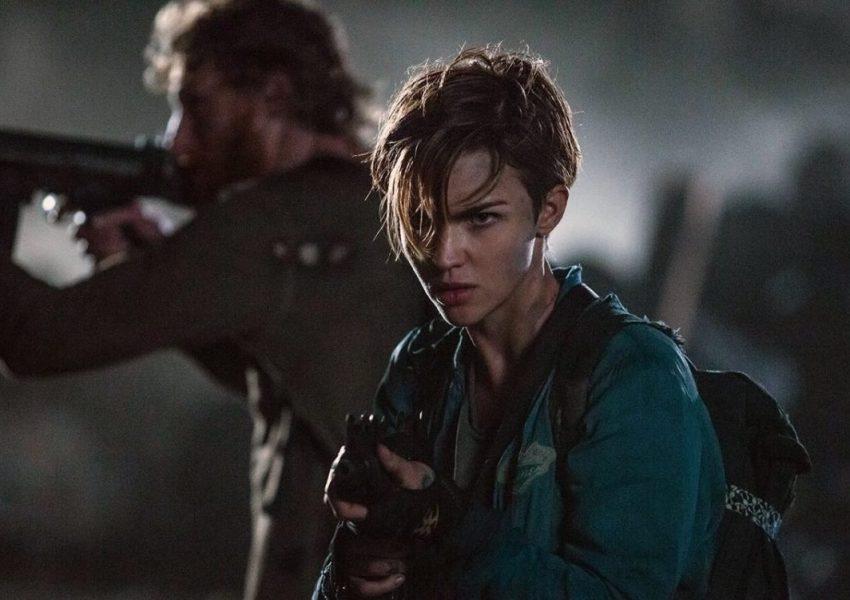 Cựu Batwoman đối đầu với sát nhân hàng loạt và đại dịch zombie, mang đến đa dạng gam màu kinh dị cho thángHalloween 3