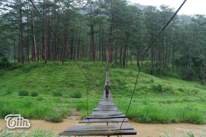 Hành trình check-in cầu treo La Bá (Đà Lạt): 'Cảm giác hơi run sợ nhưng chinh phục được rồi sẽ rất tuyệt' 8